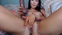 Gorgeous angel Evelyn with big tits and British accent