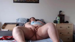 Young BBW Amberly Rayne finger fucking wet pussy