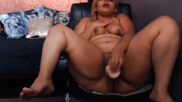 18 chocolate girl with big booty bangs a tight phat pussy